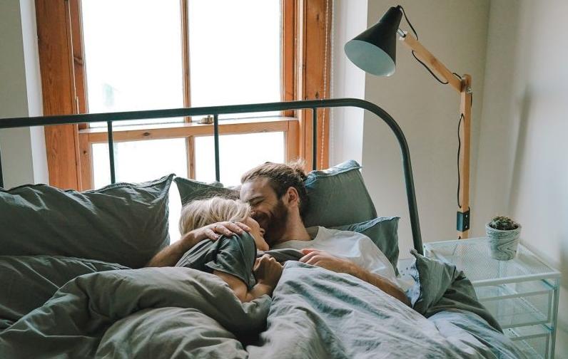 如何拍摄有爱意的情侣照?