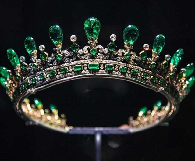 英國著名的皇冠精選,每一件都價值連城,英國皇家珠寶鑒賞